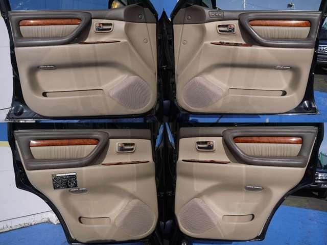 各ドア内張もキレイに保たれております☆ | トヨタ ランドクルーザーシグナス 4.7 4WD