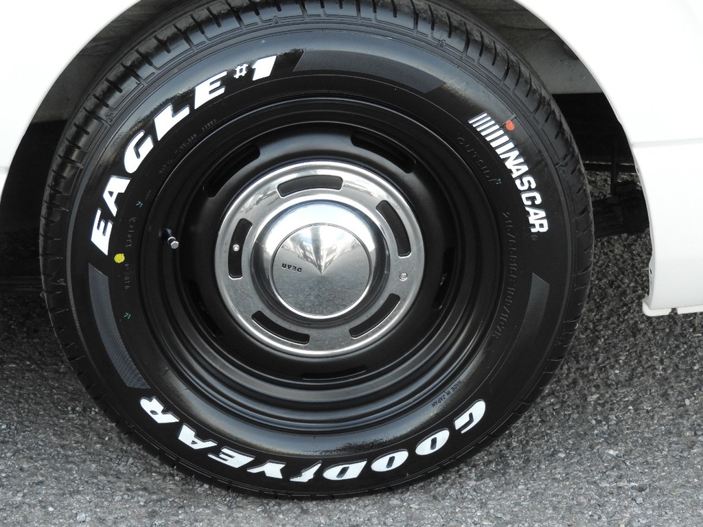新品のDEANクロスカントリー16インチアルミホイール&グッドイヤーナスカータイヤ!
