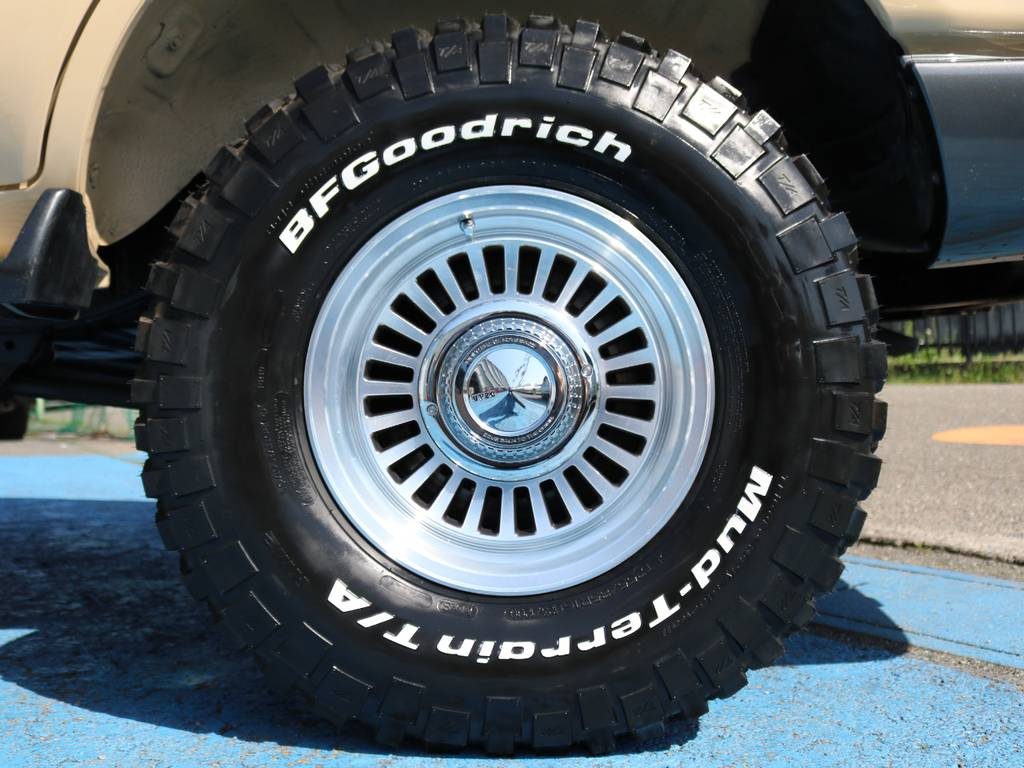 新品DEAN16インチAW☆新品BFG255KM2タイヤ☆ | トヨタ ランドクルーザー80 4.2 VXリミテッド ディーゼルターボ 4WD