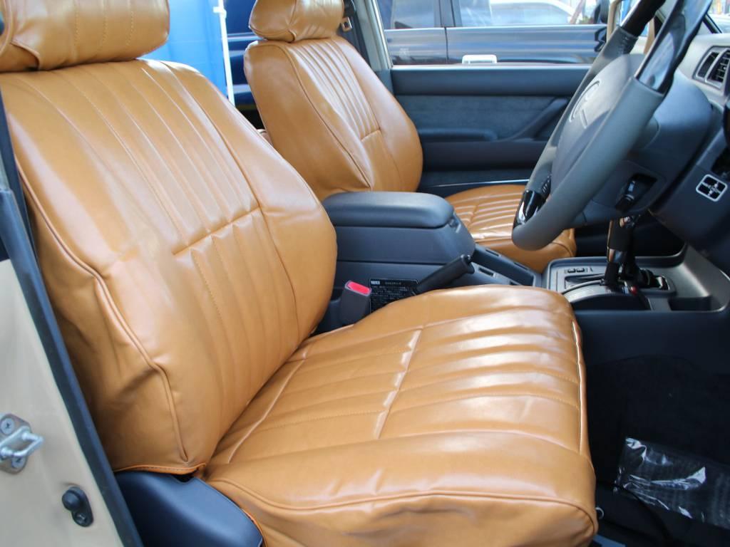 運転席も目立つヘタリ無くキレイに保たれております☆ | トヨタ ランドクルーザー80 4.2 VXリミテッド ディーゼルターボ 4WD RENOCA 新品ナビ、Bカメラ