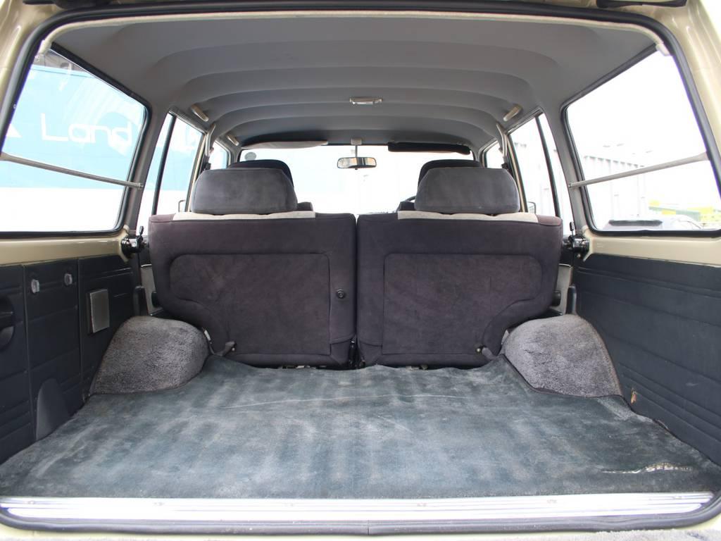 荷室は広々お使い頂けるスペースがございます☆ | トヨタ ランドクルーザー60 4.0 VX ハイルーフ ディーゼルターボ 4WD VX