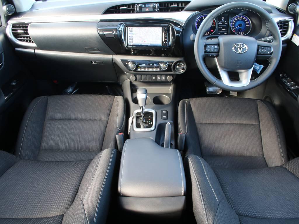 内装グレー基調☆キレイに保たれております☆ | トヨタ ハイラックス 2.4 Z ディーゼルターボ 4WD Z