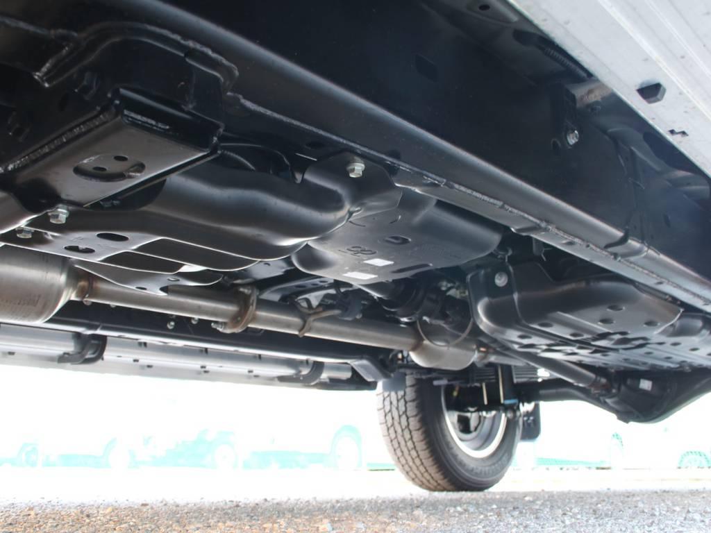 下回りは新車なのでキレイに保たれております☆ | トヨタ ハイラックス 2.4 Z ディーゼルターボ 4WD Z