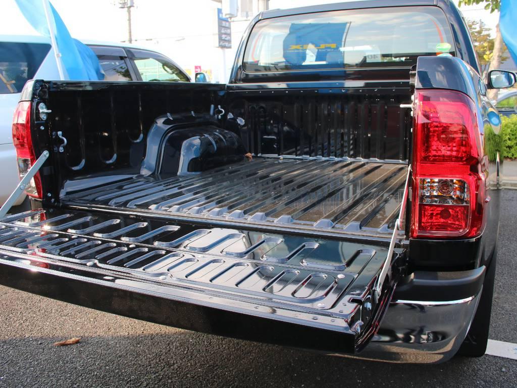 荷台は広々お使い頂けるスペースがございます☆ | トヨタ ハイラックス 2.4 Z ディーゼルターボ 4WD Z