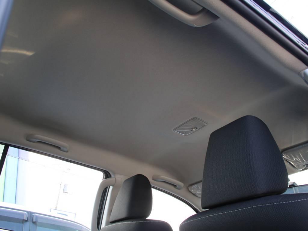 天張りも新車なのでキレイに保たれております☆ | トヨタ ハイラックス 2.4 Z ディーゼルターボ 4WD Z