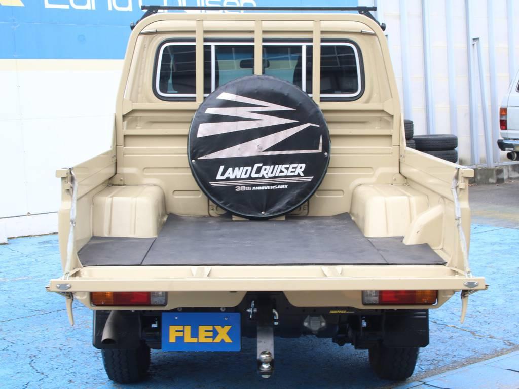荷台は広々お使い頂けるスペースがございます☆ | トヨタ ランドクルーザー70ピックアップ 4.0 4WD