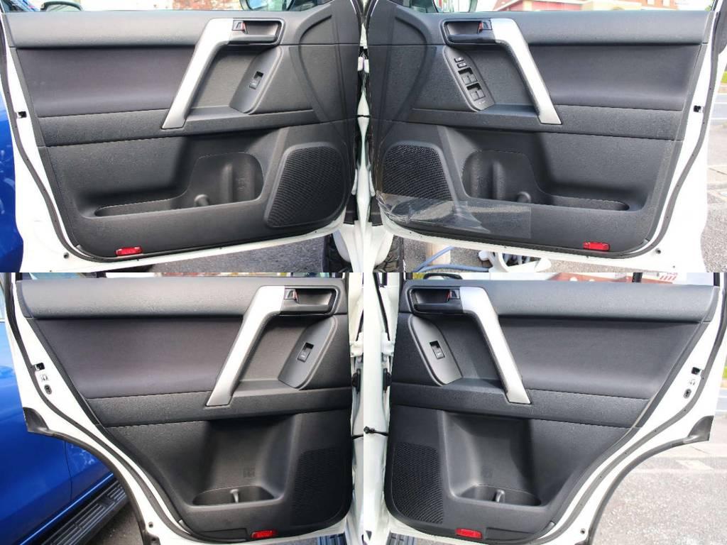 各所ドア内張も新車なのでキレイに保たれております☆   トヨタ ランドクルーザープラド 2.7 TX 4WD 5人