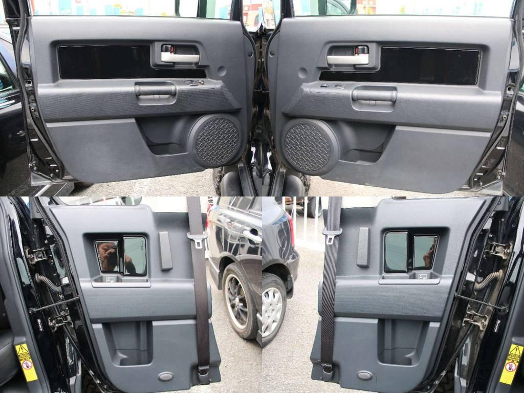 各所ドア内張もキレイに保たれております☆ | 米国トヨタ FJクルーザー コンビニエンスPKG アップグレードⅡ