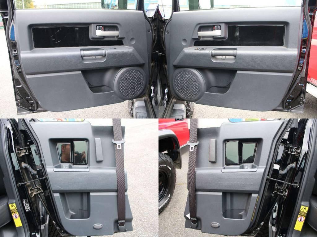 各所ドア内張もキレイに保たれております☆ | トヨタ FJクルーザー 4.0 ブラックカラーパッケージ 4WD