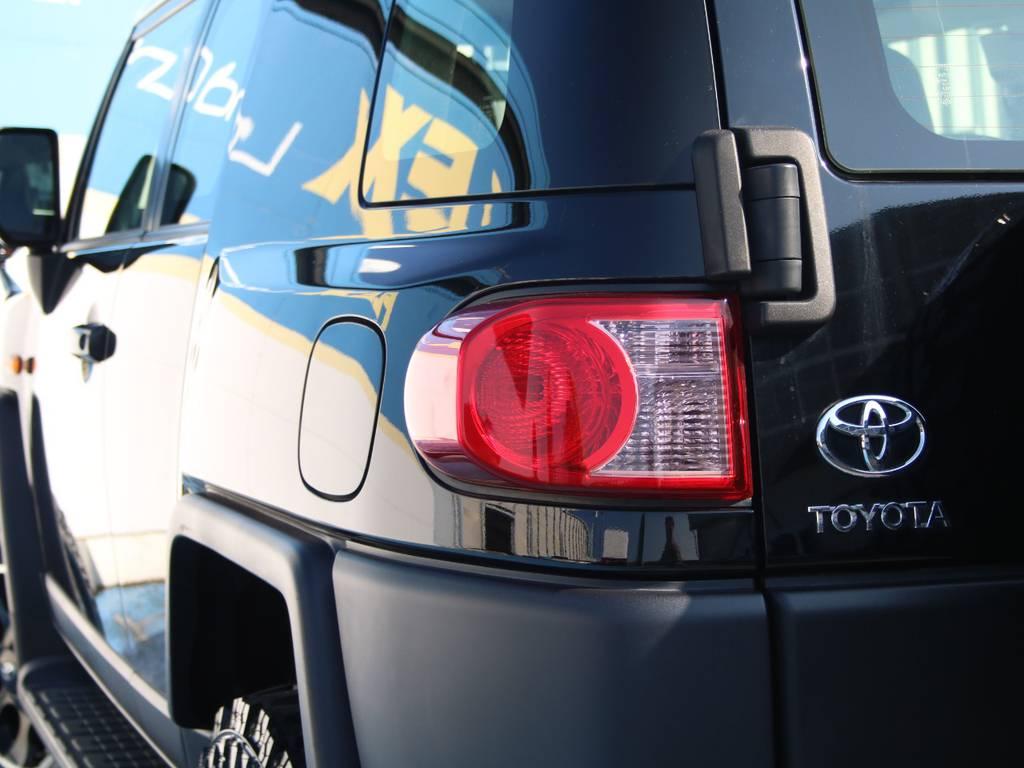 純正テール☆ | トヨタ FJクルーザー 4.0 ブラックカラーパッケージ 4WD