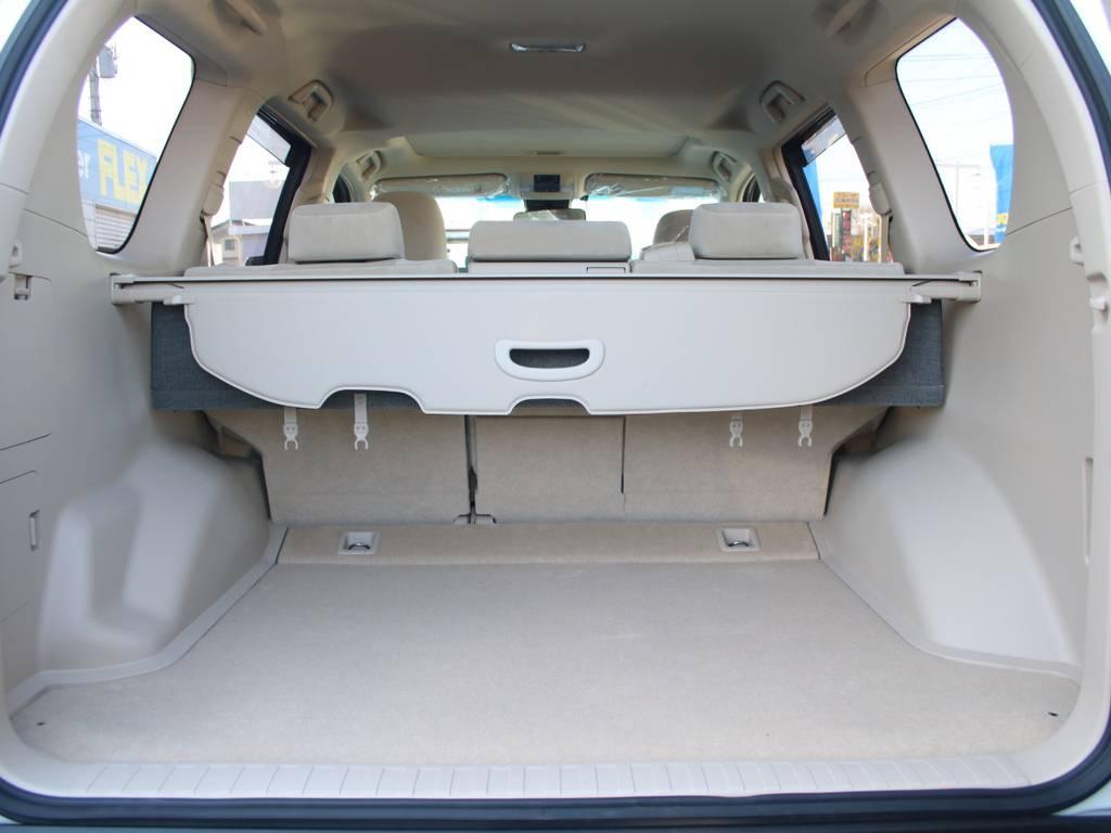 荷室は広々お使い頂けるスペースがございます☆ | トヨタ ランドクルーザープラド 2.8 TX ディーゼルターボ 4WD 5人 内装ベージュ WALDエアロ