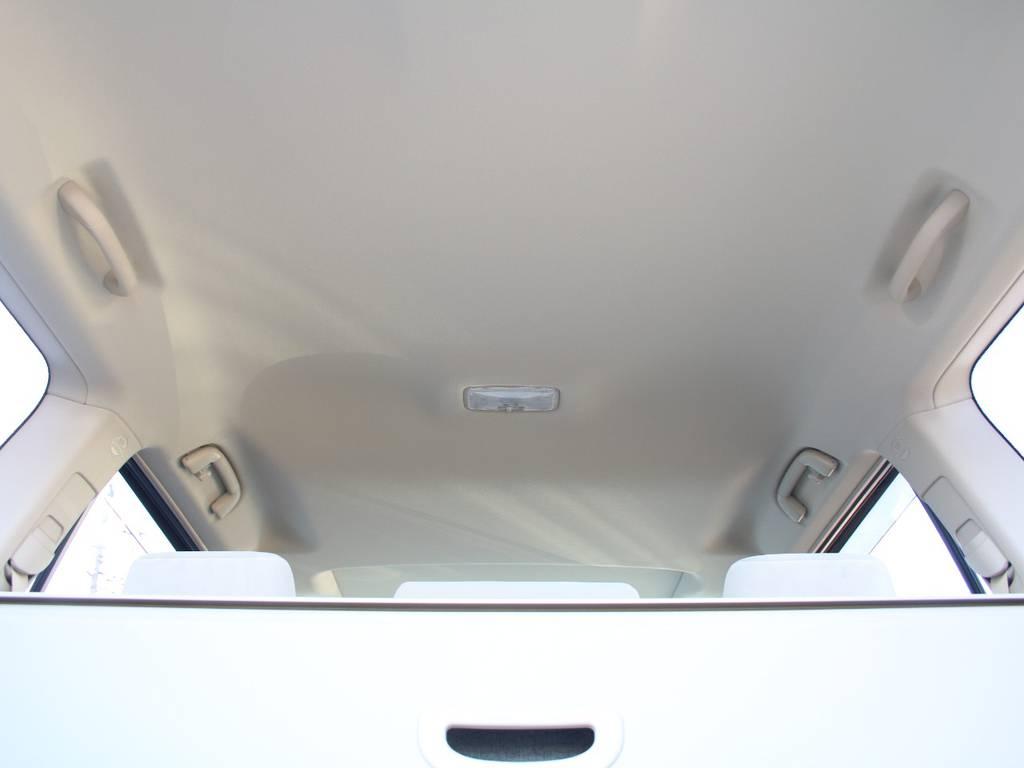 天張りも新車なのでキレイに保たれております☆ | トヨタ ランドクルーザープラド 2.8 TX ディーゼルターボ 4WD 5人 内装ベージュ WALDエアロ