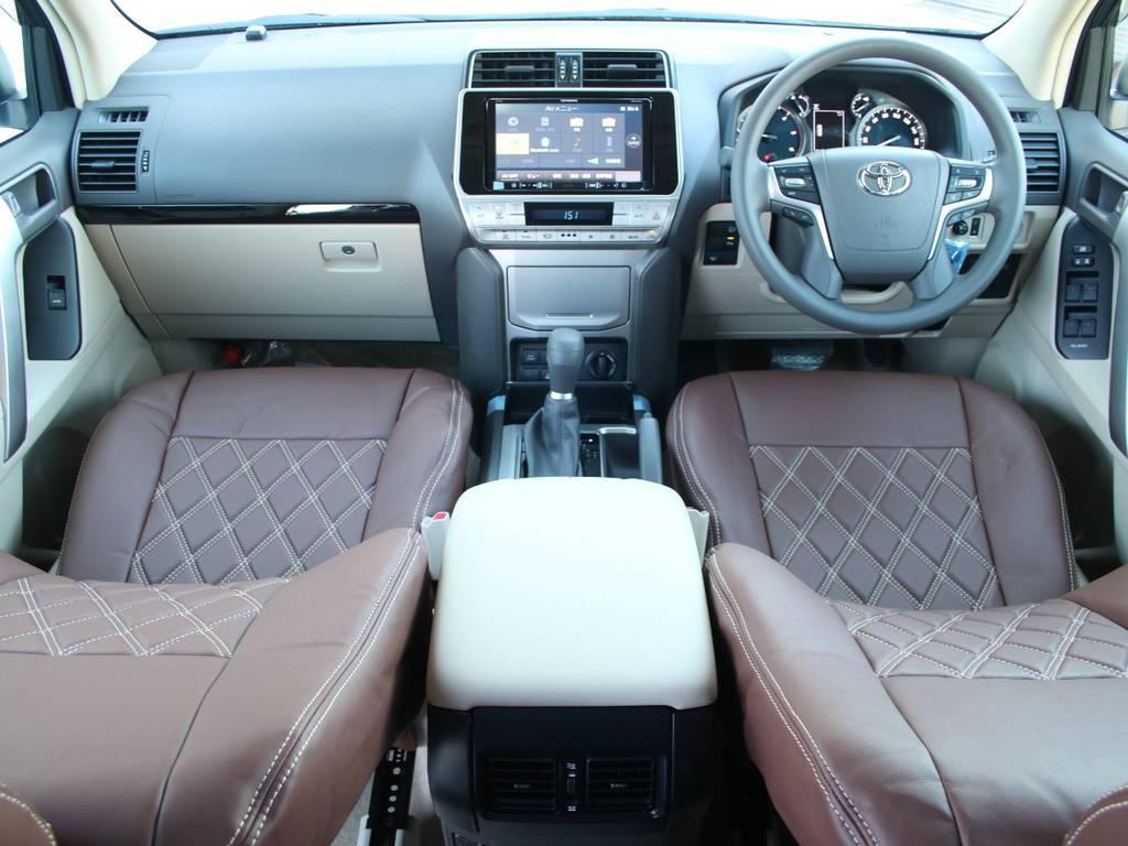 内装ベージュ基調☆新車なのでキレイに保たれております☆   トヨタ ランドクルーザープラド 2.8 TX ディーゼルターボ 4WD 5人 内装ベージュ WALDエアロ