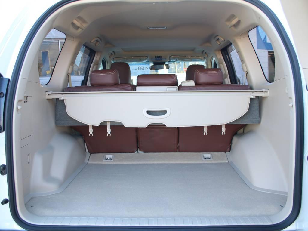 荷室は広々お使い頂けるスペースがございます☆   トヨタ ランドクルーザープラド 2.8 TX ディーゼルターボ 4WD 5人 内装ベージュ WALDエアロ