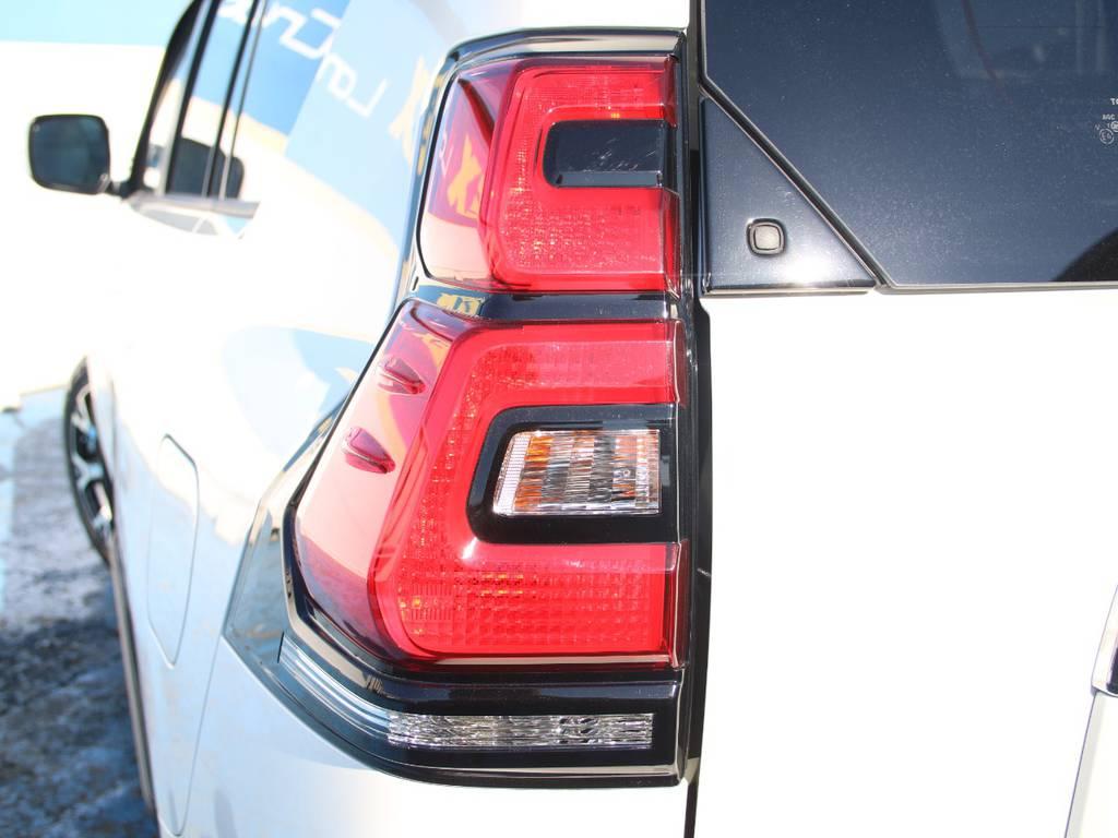 純正テール☆ | トヨタ ランドクルーザープラド 2.8 TX ディーゼルターボ 4WD 5人 内装ベージュ WALDエアロ
