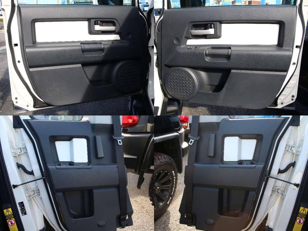 各所ドア内張もキレイに保たれております☆   トヨタ FJクルーザー 4.0 カラーパッケージ 4WD