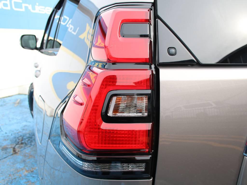 純正テール☆ | トヨタ ランドクルーザープラド 2.8 TX ディーゼルターボ 4WD 5人 新車未登録 9インチナビ