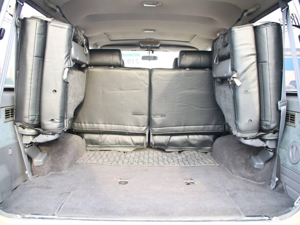 荷室は広々お使い頂けるスペースがございます☆   トヨタ ランドクルーザープラド 3.0 EXワイド ディーゼルターボ 4WD