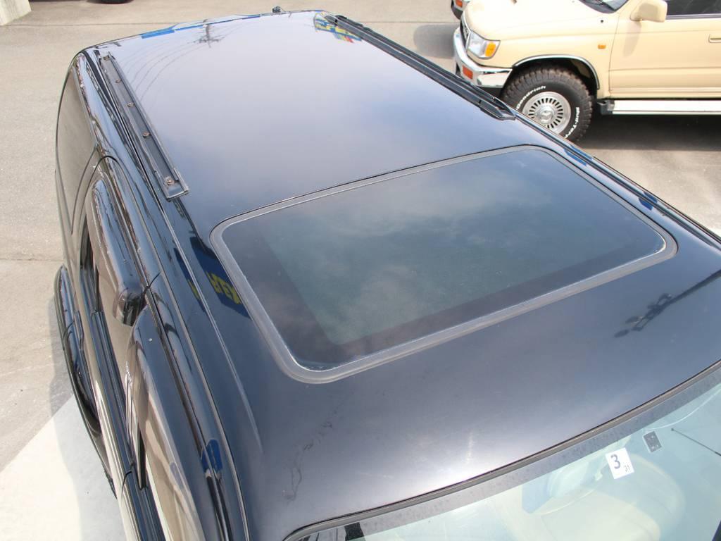 ルーフ面もキレイに保たれております☆ | トヨタ ハイラックスサーフ 2.7 SSR-X 4WD 背面レス リフトアップ MGホイール