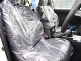 運転席は長時間の運転でも疲れを感じさせない設計になっております☆