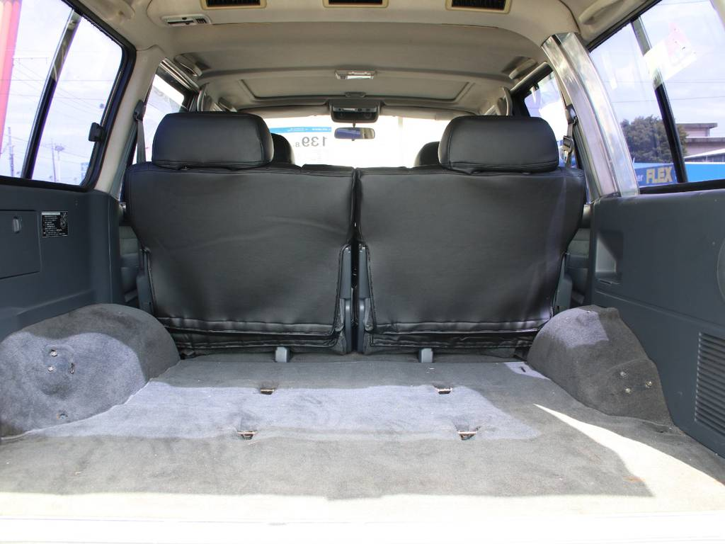 荷室は広々お使い頂けるスペースがございます☆1ナンバー登録済みです☆ | トヨタ ランドクルーザー80 4.5 VXリミテッド 4WD