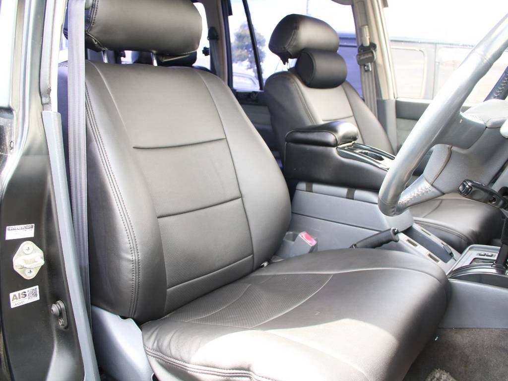 運転席は目立つヘタりなくキレイに保たれております☆ | トヨタ ランドクルーザー80 4.5 VXリミテッド 4WD