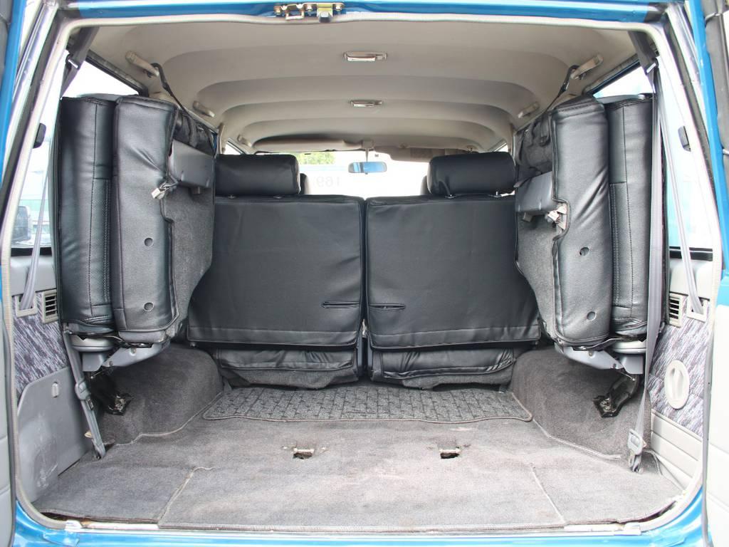 荷室は広々お使い頂けるスペースがございます☆ | トヨタ ランドクルーザープラド 3.0 SXワイド ディーゼルターボ 4WD 希少MT車 新品BFGタイヤ 寒冷地仕様