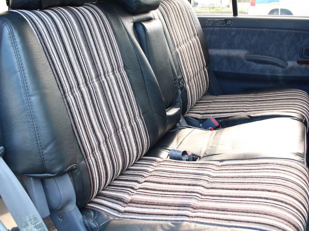 後部座席は大人もくつろげるスペースがございます☆ | トヨタ ランドクルーザープラド 2.7 TX リミテッド 4WD 後期型 イモビ付きモデル