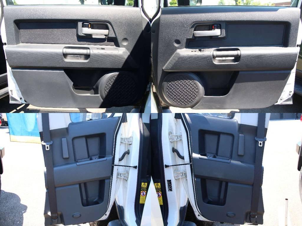 各所ドア内張もキレイに保たれております☆ | トヨタ FJクルーザー 4.0 4WD