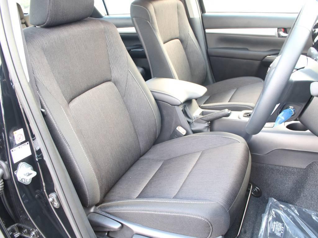 運転席ももちろんキレイな状態です☆