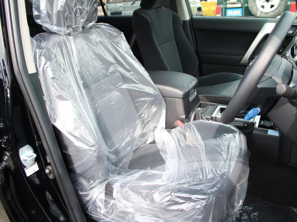 運転席は快適に過ごせるように設計されております☆