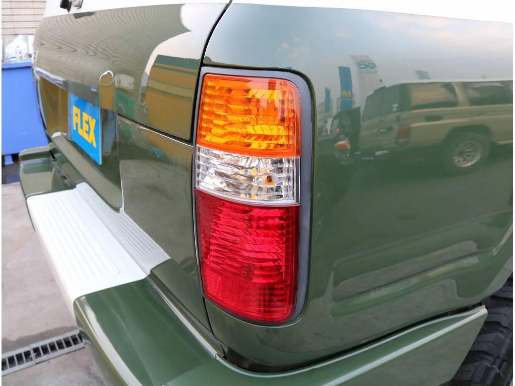 三色テールレンズを採用しております! | トヨタ ランドクルーザーバン 80 VX-LTD