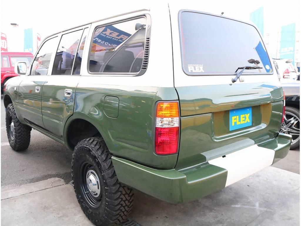 リアビュー | トヨタ ランドクルーザーバン 80 VX-LTD