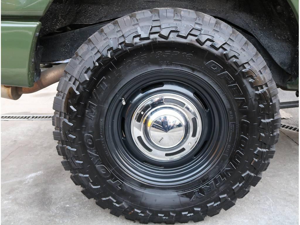 新品DEENアルミ×TOYOマッドタイヤがついております!! | トヨタ ランドクルーザーバン 80 VX-LTD