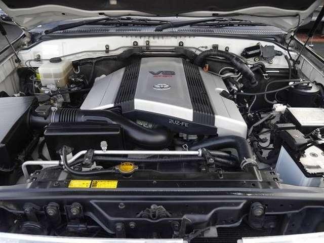 大迫力V8 4700Lエンジン | トヨタ ランドクルーザー100 4.7 VXリミテッド 4WD