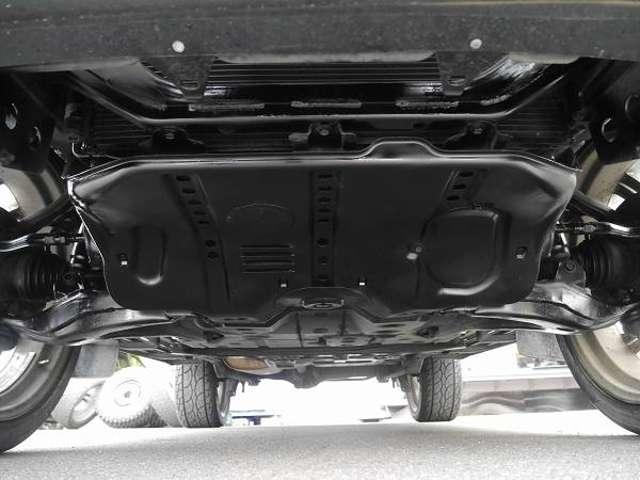 足回りも当店よりサビ防止剤施工済みです!綺麗です! | トヨタ ランドクルーザー100 4.7 VXリミテッド 4WD