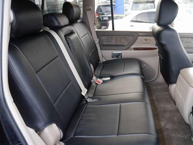 後部座席シート! | トヨタ ランドクルーザー100 4.7 VXリミテッド 4WD