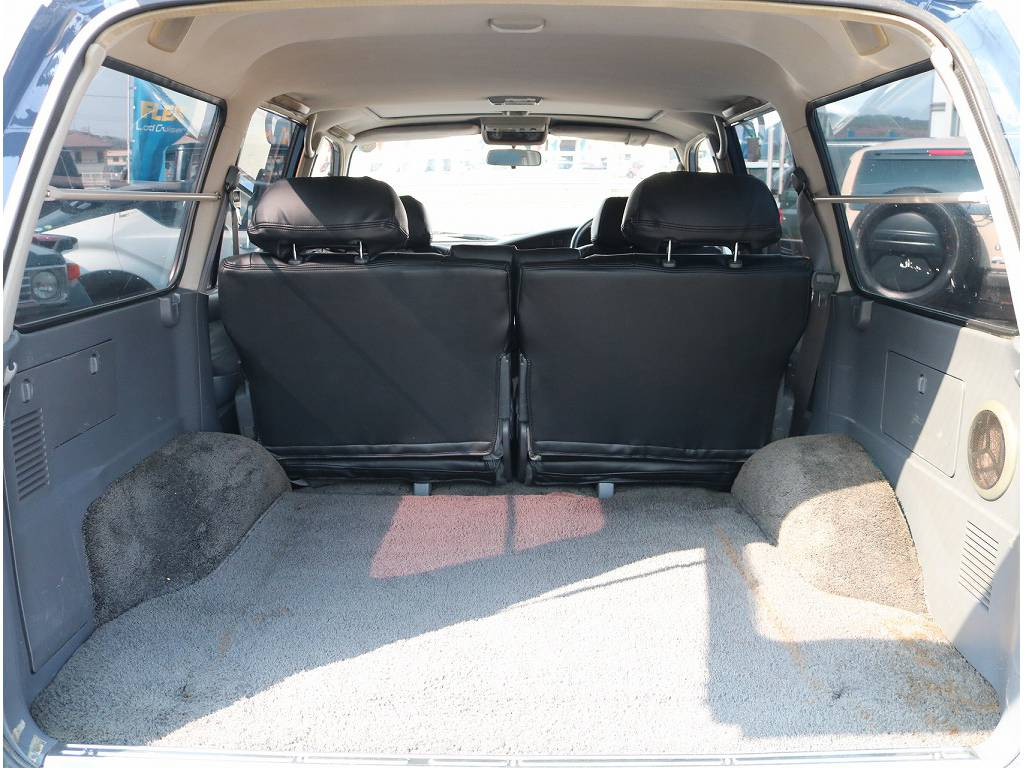 ラゲッジルームも広々!!   トヨタ ランドクルーザー80 4.2 VXリミテッド ディーゼル 4WD