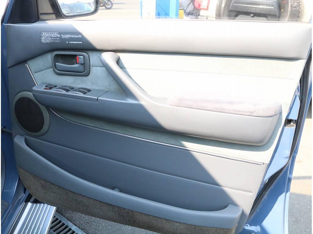 内貼りも非常に綺麗です!!   トヨタ ランドクルーザー80 4.2 VXリミテッド ディーゼル 4WD