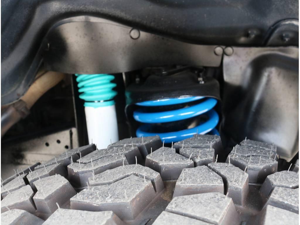 新品2インチリフトUPフレックスコイル&新品ショックアブソーバー   トヨタ ランドクルーザー80 4.2 VXリミテッド ディーゼル 4WD