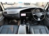 新品ブラックシートカバーをインストールしております。シートカバーを付けるだけで印象もガラッと変わります。