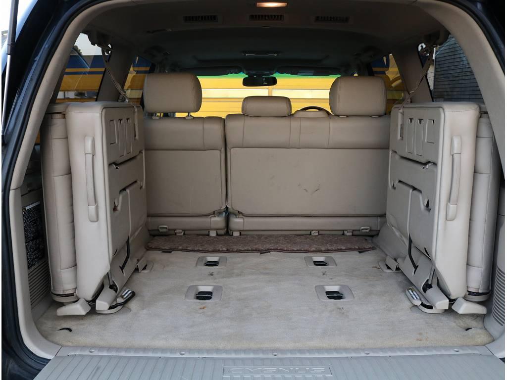 3列目シートがあり8人乗りなので大人数でのお出かけも出来ちゃいます!! | トヨタ ランドクルーザーシグナス 4.7 4WD