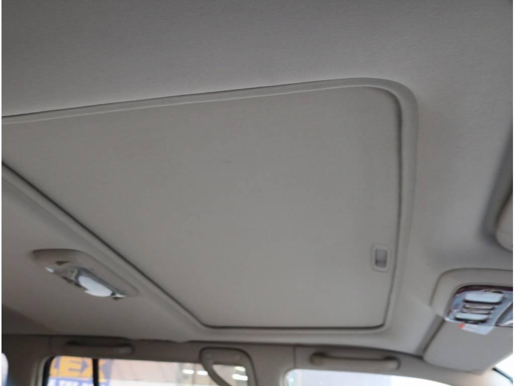 SUVといえばサンルーフと言って頂く事も多々あります! | トヨタ ランドクルーザーシグナス 4.7 4WD