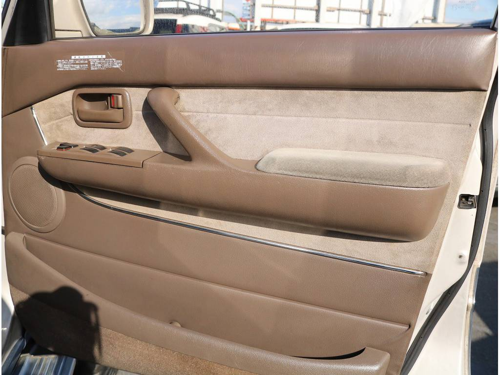内貼りの状態も良い状態です! | トヨタ ランドクルーザー80 4.2 VXリミテッド ディーゼルターボ 4WD