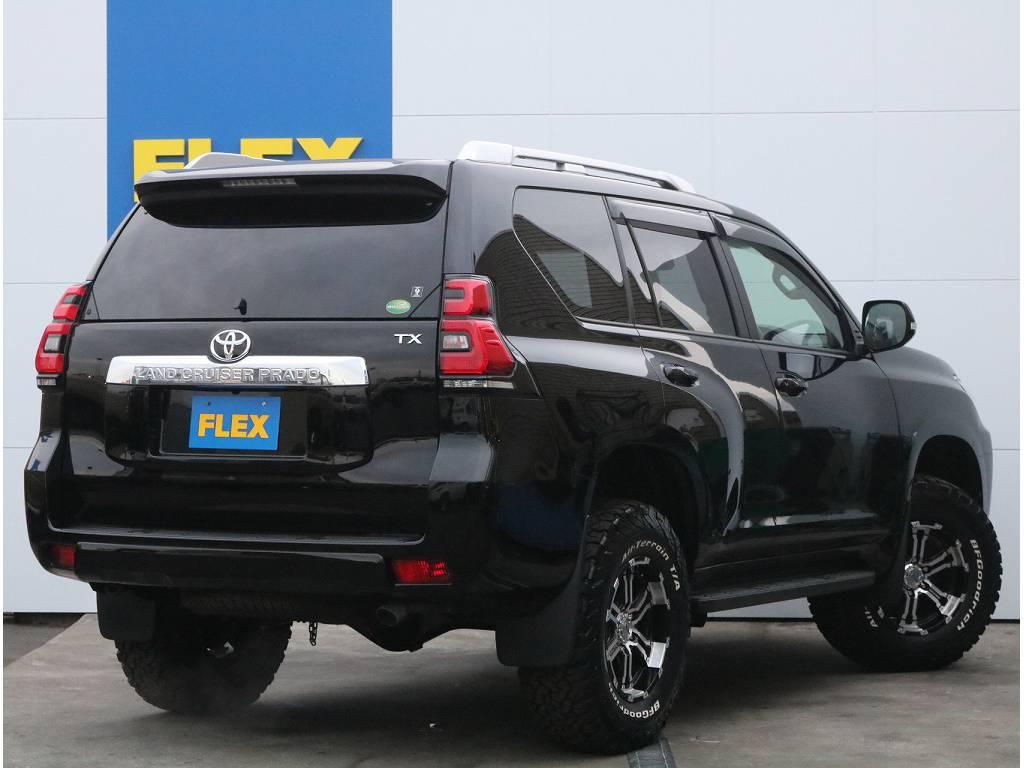人気のブラックカラーに新品2インチリフトアップ、社外AW装備されており迫力満点です!! | トヨタ ランドクルーザープラド 2.8 TX ディーゼルターボ 4WD