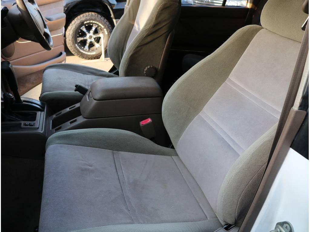 シートのへたりも少なく綺麗に保たれております!! | トヨタ ランドクルーザー80 4.2 VX ディーゼル 4WD