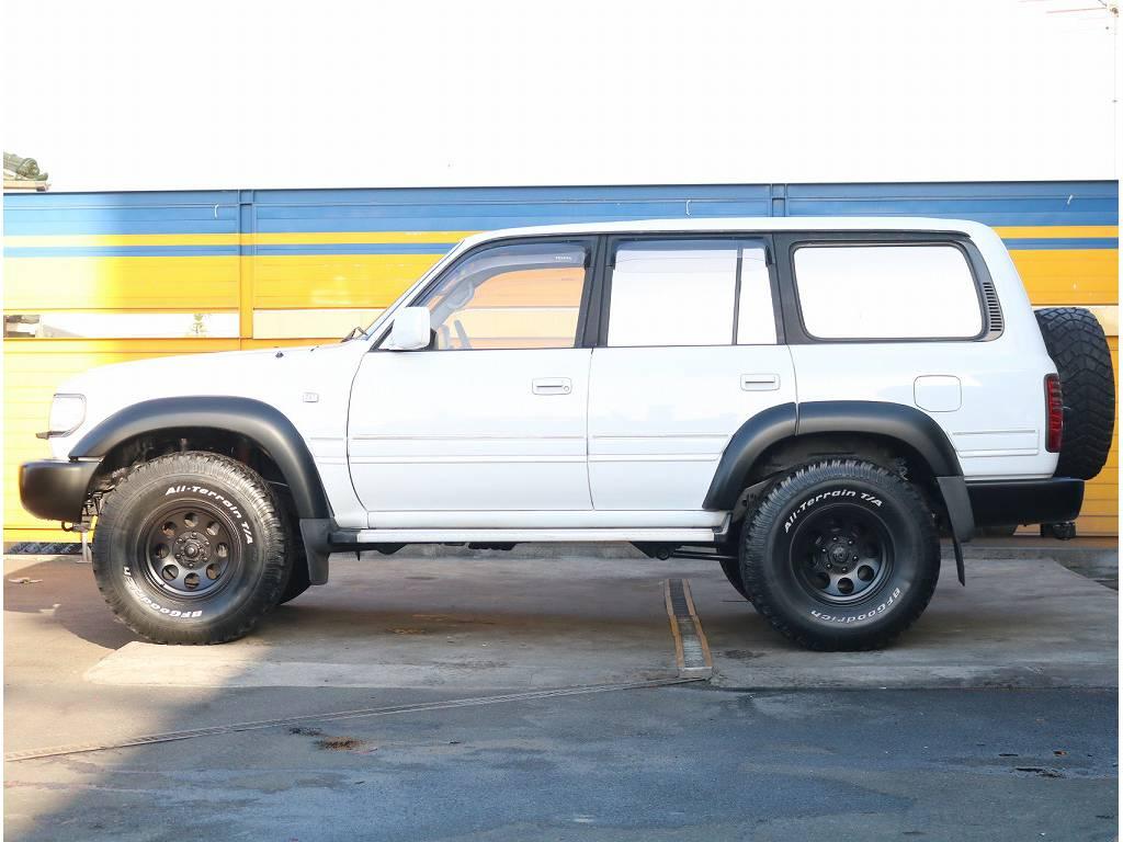 人気のホワイトカラーになっております!! | トヨタ ランドクルーザー80 4.2 VX ディーゼル 4WD