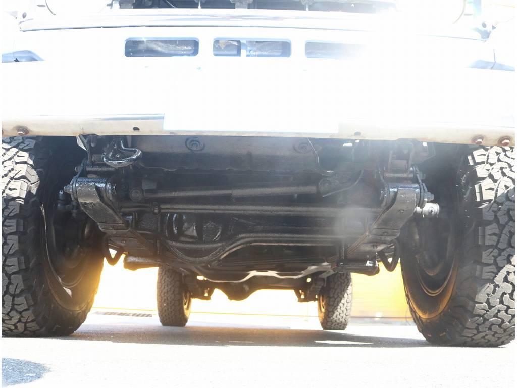 下回りも非常に綺麗です!!   トヨタ ランドクルーザー70 4.2 LX ディーゼル 4WD