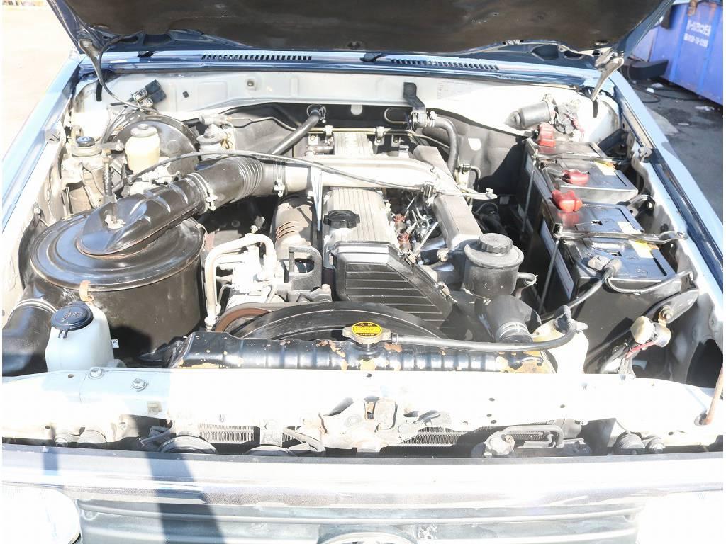 エンジンルームも非常に綺麗に保たれております!!   トヨタ ランドクルーザー70 4.2 LX ディーゼル 4WD