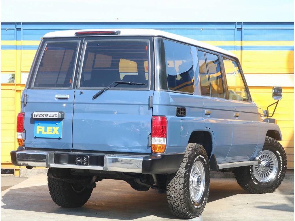 リアビュー   トヨタ ランドクルーザー70 4.2 LX ディーゼル 4WD